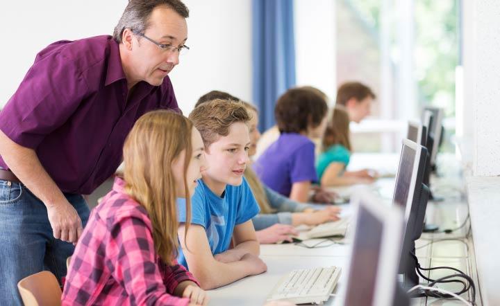 Eltern wünschen sich Computer in der Schule