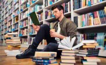 Aspekte zeitgenössischer Bildungstheorien